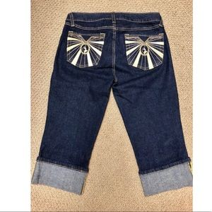 Like new American Eagle Artist Crop stretch jeans.